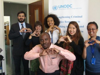 """UNODC calls for """"giving hope"""" to victims of human trafficking"""