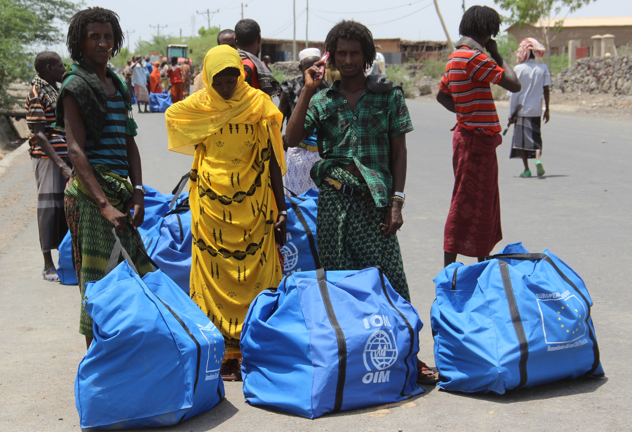IOM Distributes Aid to Displaced Flood Victims